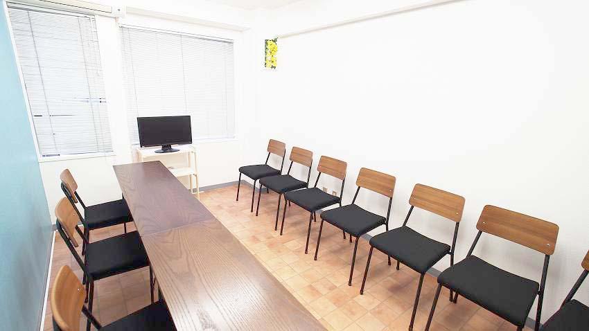 横浜 貸し会議室 レンタルスペース テラス 面接 オーディション向けレイアウト