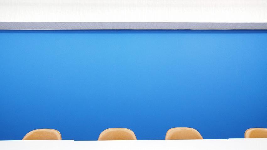 ブルーの壁はブルーバック合成にも利用頂けます