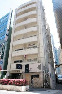 2件目のローソンの隣、羽田ビルの3階、303号室です