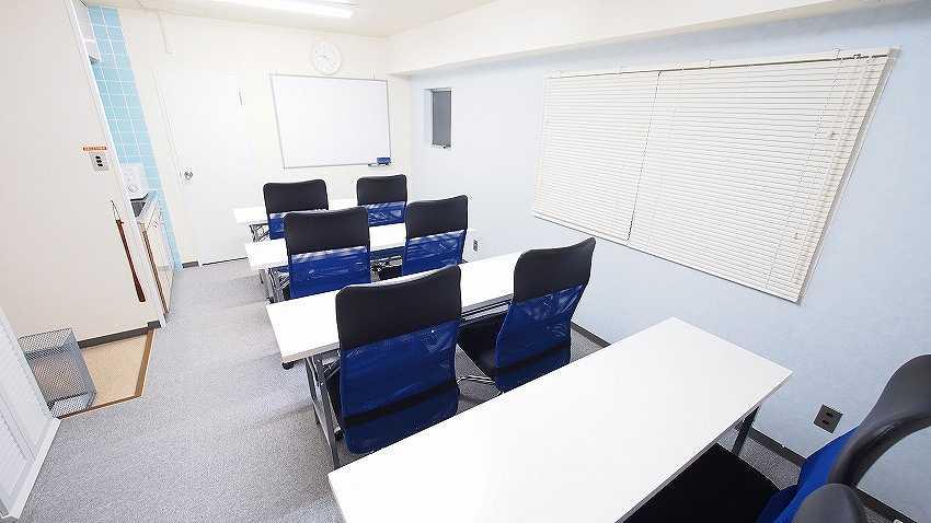 新宿 貸会議室 レンタルスペース マリーナ 教室 セミナー 説明会 講習会向けレイアウト