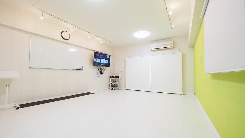渋谷 貸し会議室 レンタルスペース KOMOREBI テーブルと椅子を外したレイアウト